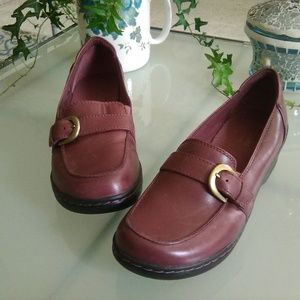 Clarks Bendables leather loafers, size 6.5